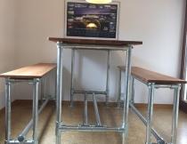 Tisch aus Rohrverbindern
